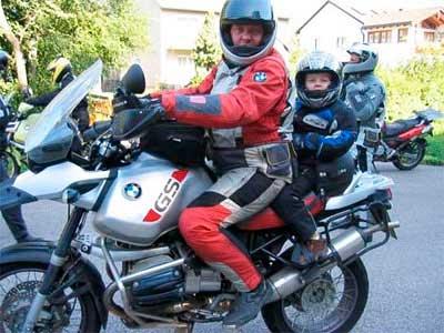 Claves para llevar a los niños en la moto 1